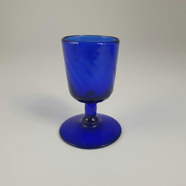 Kleiner Pokal / Eierbecher aus kobaltblauem Glas. Alpenländisch, um 1800.