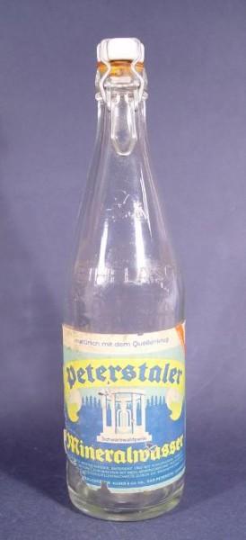f073 / Alte Peterstaler Mineralwasserflasche.