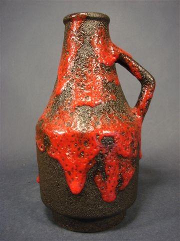 Keramik - Lava Vase. Roth, um 1970.