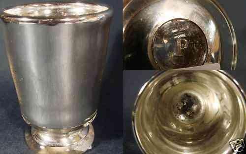 """Silberglas / Bauernsilber Becherglas, signiert """"P"""" Pfohl. Josephinenhütte. 19.Jh."""