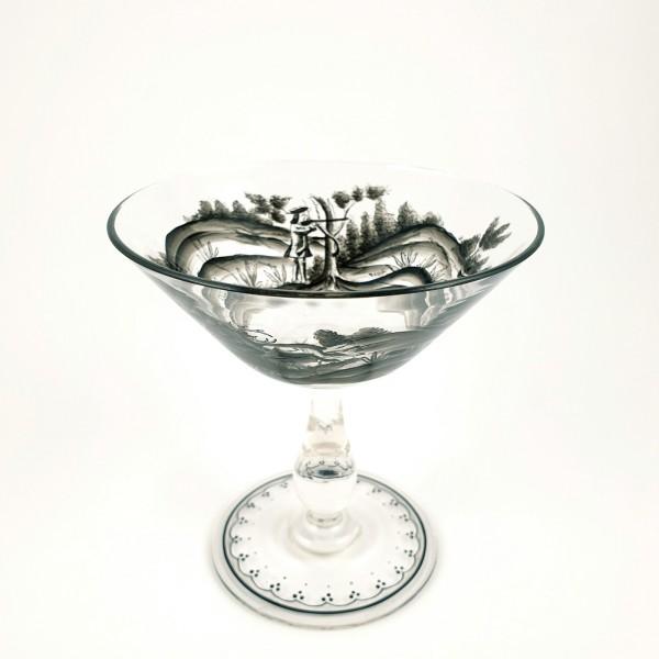 Jagd-, Pokalglas mit Schwarzlotmalerei.