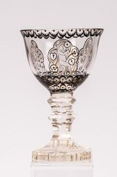 Jugendstil - Pokalglas mit Putten. Steinschönau. Oertel/ Haida, um 1915.