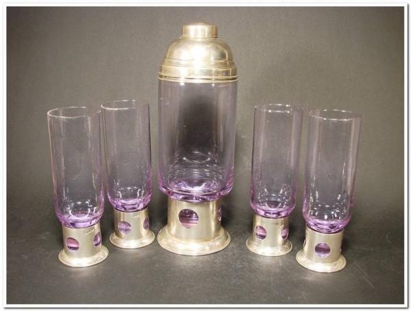Art Deco Shaker mit 4 Gläsern. 800er Silbermontierung.