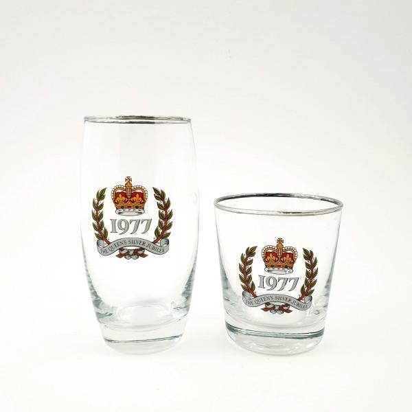 """2 Bier-, Wassergläser zum Thronjubiläum von Königin Elisabeth II. """"The Queen's Silver Jubilee"""", 1977"""