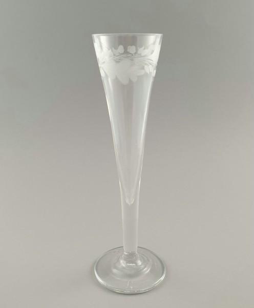 Sektglas mit gerutschtem Eichenlaub, Anfang 19. Jh.