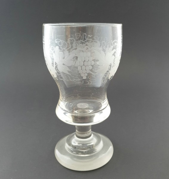Weinglas / Pokalglas mit Weinlaub, 19.Jh.