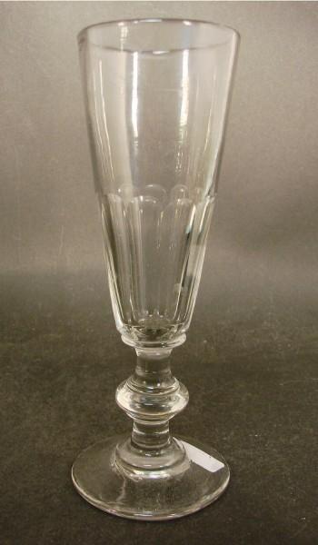 Sektglas, handgeschliffen. Frankreich, 19.Jh.