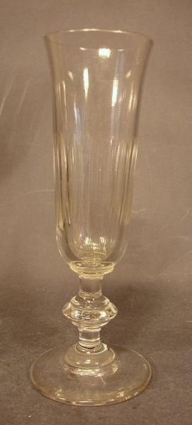 Sektglas, facettiert. Frankreich, um 1880.