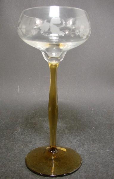 Jugendstil - Weinglas mit Weinlaubgravur, um 1910.