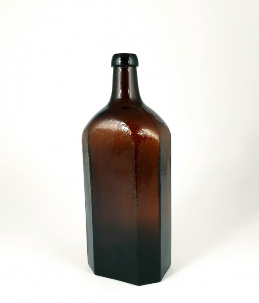 Schnapsflasche für Branntwein / Kümmel, um 1860.