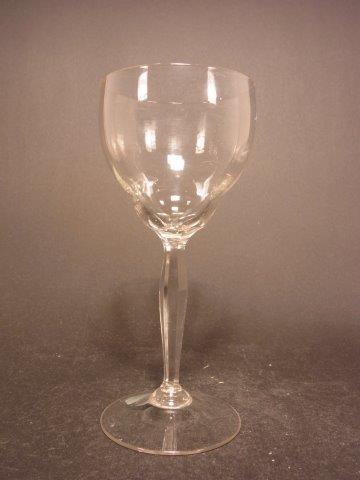 Jugendstil - Weinglas mit geschliffenem Stängel, um 1910.