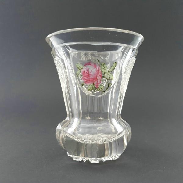 Biedermeier - Becherglas mit Rose und Herz. Böhmen, um 1835.
