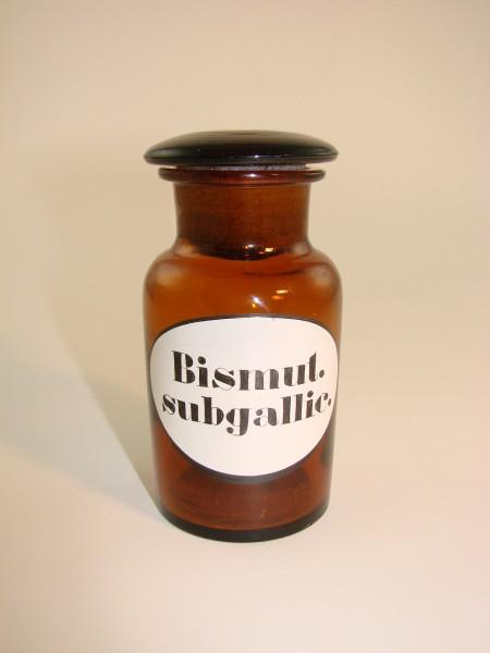 """Apothekenflasche """"Bismut subgallic.""""."""