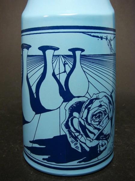 Glasflasche mit Salvador Dali Motiv / Nr. 1, signiert.