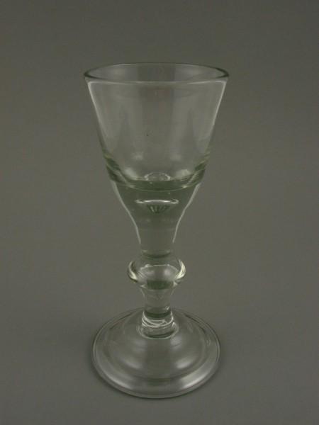 """Barock - Kelchglas mit """"S"""". Lauenstein, um 1770."""