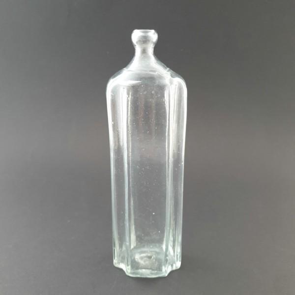 Schmale Apothekenflasche / Grifflasche mit Längsriefen, 19.Jh.