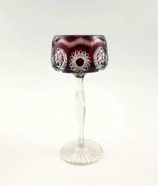 Römer / Weinglas mit dunkelrotem Überfang.