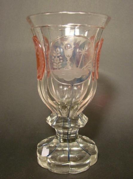 Biedermeier - Pokalglas mit Allegorien in Egermann-Technik, 19.Jh.