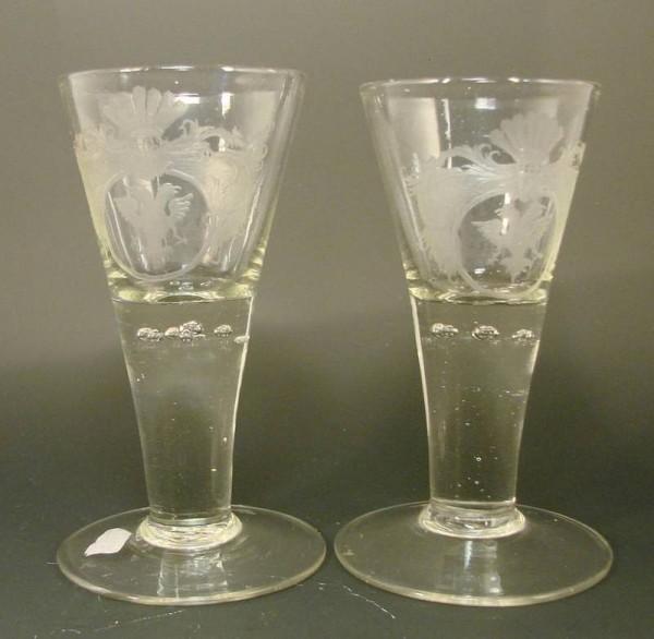 Barock - Kelchglas mit Luftblasen und Wappengravur mit Doppelkopfadler, 18.Jh.