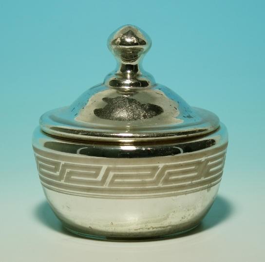 Bauernsilber / Silberglas Deckeldose. Böhmen, um 1900.