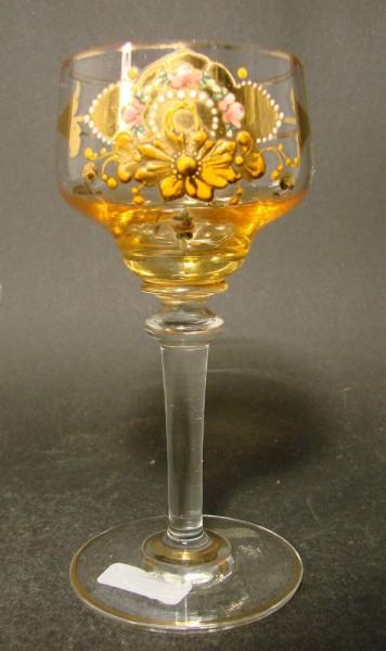 Jugendstil - Weinglas mit Reliefdekor, um 1900.