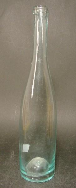 Likörflasche mit hochdrücktem Boden, 19.Jh.