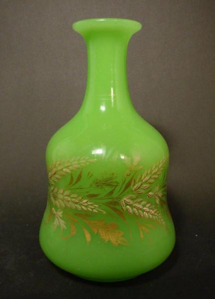 Nacht-, Wasserflasche aus Uranglas mit Goldbemalung, Ende 19. Jh.