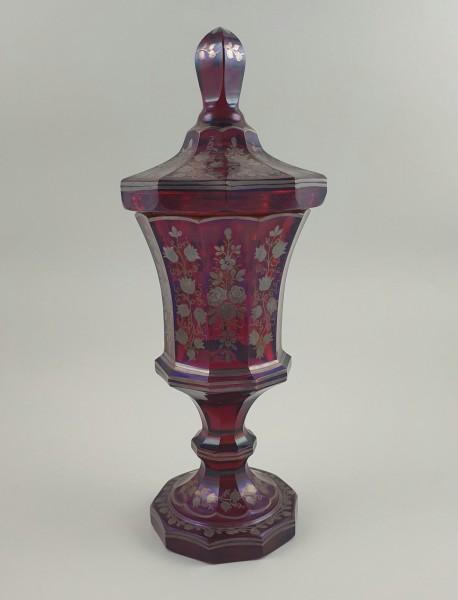 Grosser Glas- Deckelpokal mit Silbermalerei. Böhmen, nach 1860.