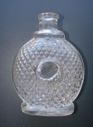 f150 / Flasche, optisch geblasen. 19.Jh.