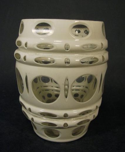 Biedermeier - Becherglas mit Überfang, um 1880.