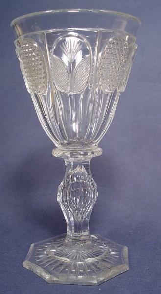Biedermeier - Pokalglas mit Hochschliffeldern, um 1840.