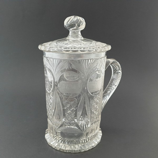 Prunkvoller Ansichten-, Glaskrug mit Deckel von TEPLITZ. Böhmen, 1.H. 19.Jh.