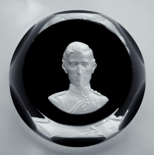 Paperweight Sulphide THE PRINCE OF WALES, signiert Baccarat.
