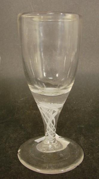 Barock - Schnapsglas mit Milchglaswandel, um 1800.