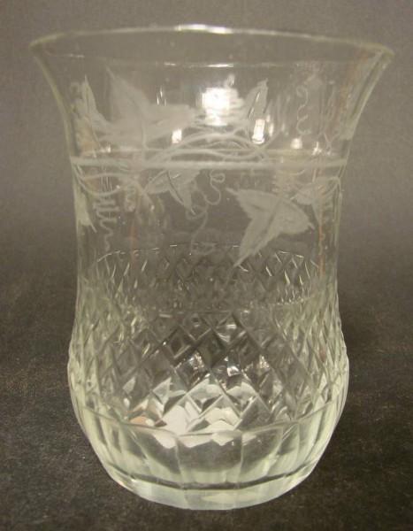 Biedermeier - Becherglas mit Weinlaubdekoration, 19.Jh.