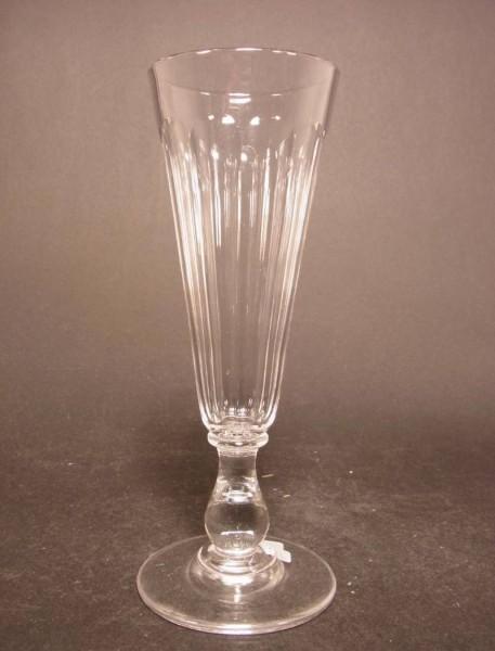 Sektglas, mundgelasenes Kristall. Frankreich, um 1900.
