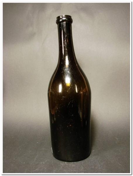 fl6942 / Weinflasche. Frankreich, 19.Jh.