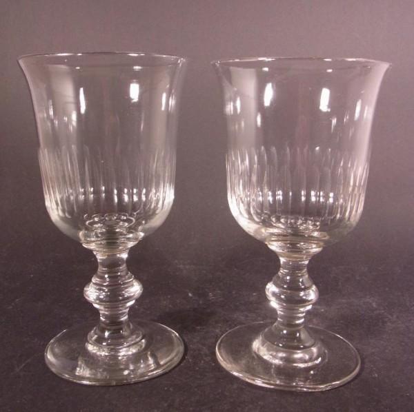 2 Wein-, Wassergläser mit Kerbschliff. Frankreich, 19.Jh.