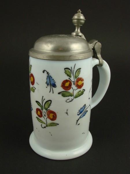 Milchglas - Bierkrug mit floraler Bemalung, 18.Jh.
