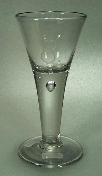 """Barock - Kelchglas mit gravierter """"8"""". Lauenstein, 18.Jh."""