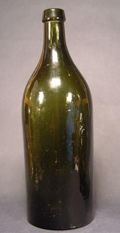 f051 / Alte Weinflasche.